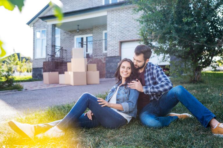 דירת מגורים טרם הנישואין | זוג עובר דירה